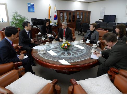 Commissioner Mr. Park with the delegation of ROSSTAT
