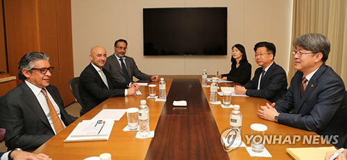 Meeting between the Statistics Korea Commissioner and Saudi Minister of Economic Planning